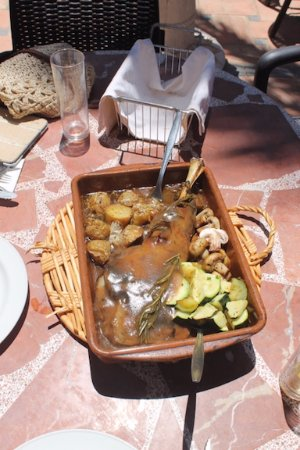 Turre, Espagne : Roast leg of Lamb