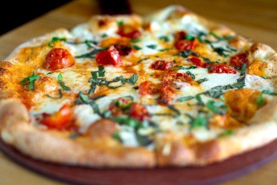 Napa Flats Wood Fired Kitchen Margherita Pizza