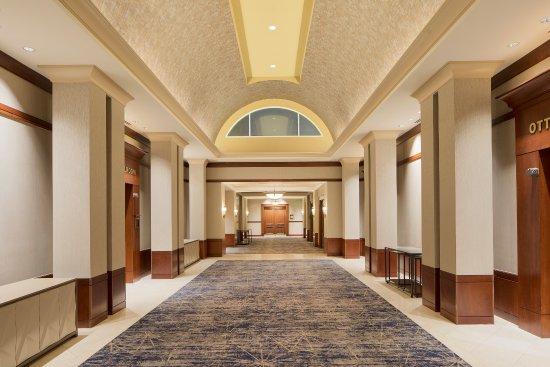 Auburn Hills Marriott Pontiac: Pre-Function Area