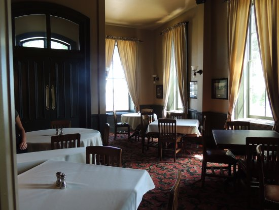Fort Benton, MT: Formal Dining