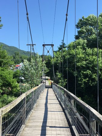 Buchanan, فيرجينيا: A look down the bridge