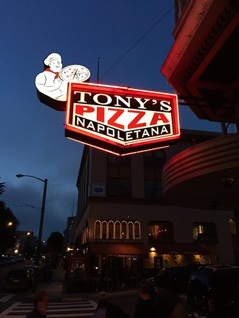 Tony's Pizza Napoletana: photo0.jpg