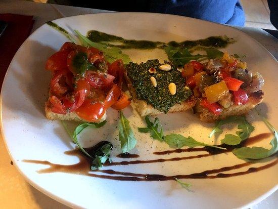 L'Arco Italian Restaurant: bruscetta