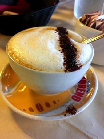 L'Arco Italian Restaurant: cappuccino