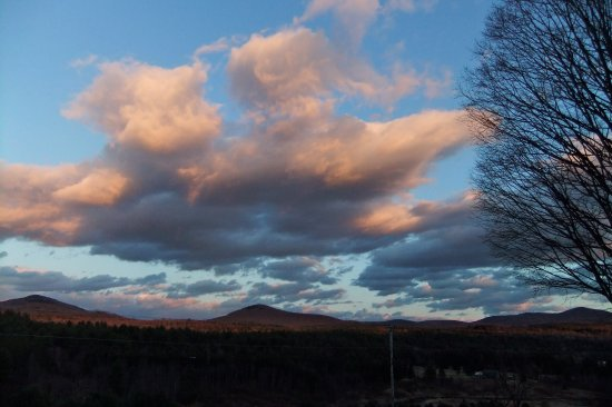 Marshfield, VT: Enjoy beautiful sunsets from your room.