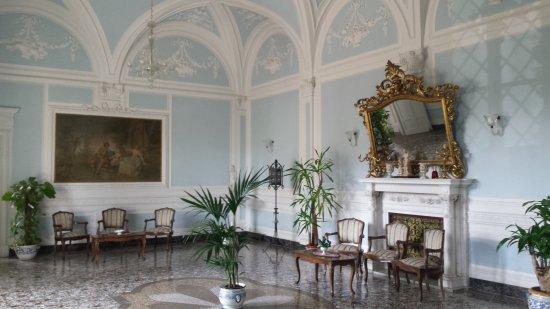Istituto Suore S. Giovanni Battista - Villa Merlo Bianco: main sitting room