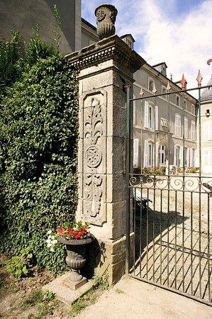 Château de Labessiere : Vue du Parc