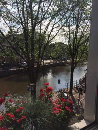 Boutique B&B Kamer01: Canal view from the Red Room