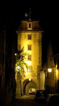 Hotel Goldener Hirsch: Tower at Night