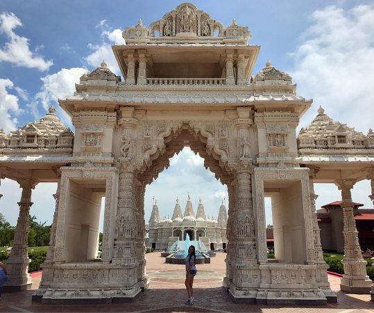 Bartlett, IL: BAPS Shri Swaminarayan Mandir