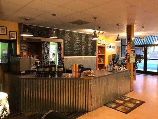 Ahoskie, Carolina del Norte: Mug Shotz Cafe and Quick Trigger Brewing Company