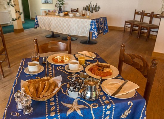 Lochgoilhead, UK: Full cooked to order breakfasts and a cold buffet selection are available