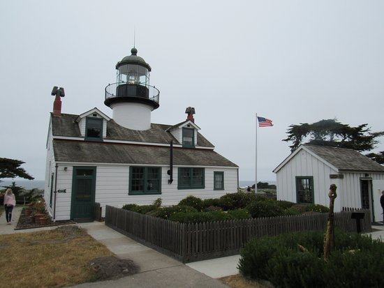 Point Pinos Lighthouse: Rear side of the lighthouse