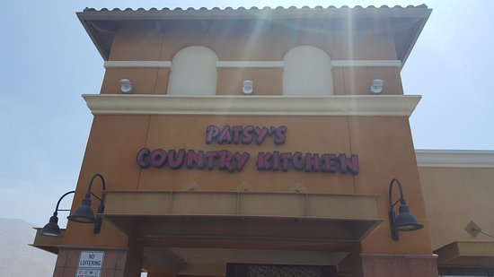 San Jacinto, Καλιφόρνια: Patsy's Country Kitchen From Outside The Building