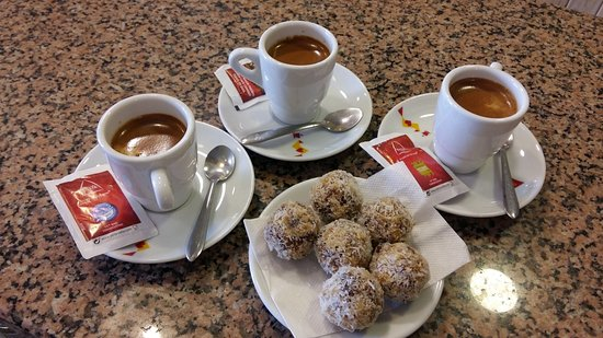 Prazeres, Portugal: The famouse Chico Balls and Coffe.