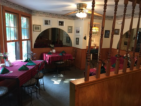Chautauqua, NY: A section of our indoor dining room