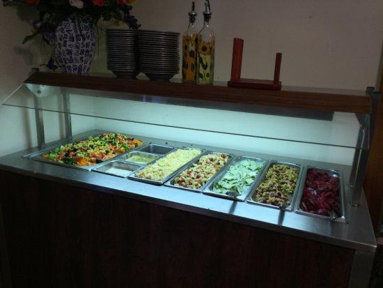 Chautauqua, NY: Daily fresh salad bar
