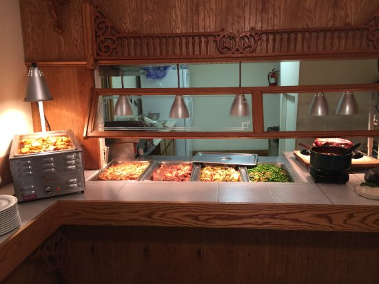 Chautauqua, NY: Daily fresh dinner buffet- different every day...