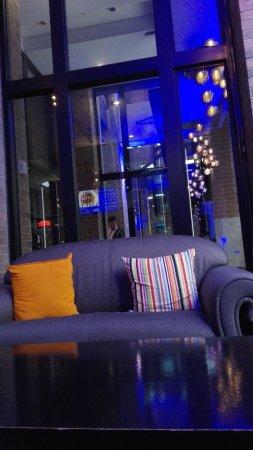 Hotel Travelodge Montreal Centre: IMG_20170603_091846_large.jpg