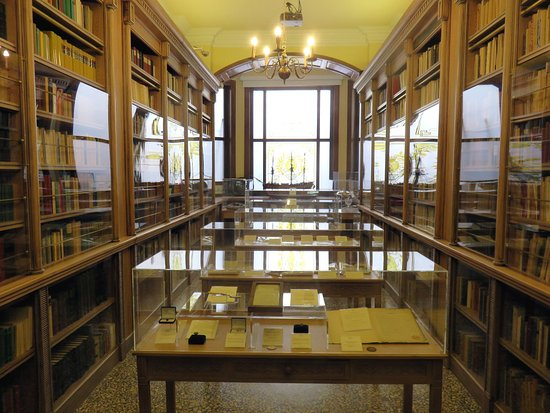 Piraeus, Greece: One of several Collection Rooms