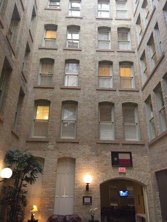 Crockett Hotel: photo3.jpg