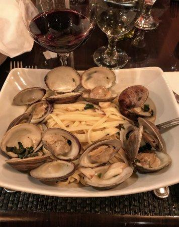 Ceci Italian Cuisine: Linguini Alle Vongole at Ceci!