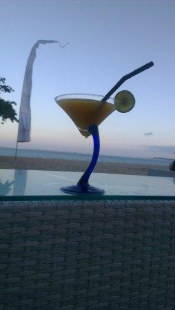 Cemara beach  Bar & Restaurant: IMAG0069_large.jpg