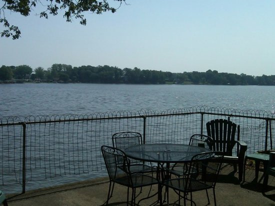 Monticello, IN: LAKE VIEW