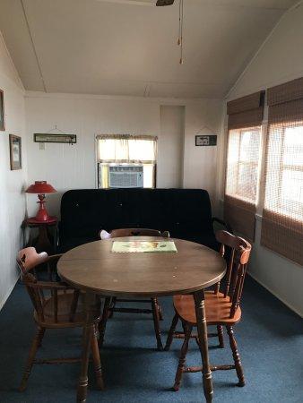 Monticello, IN: CABIN 2