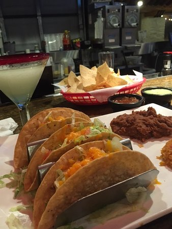 Хамбл, Техас: tough tacos, tasteless rice and beans