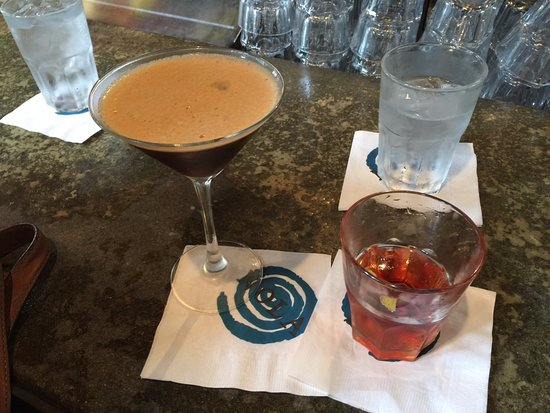 Nola Restaurant: Martini and Sazerac