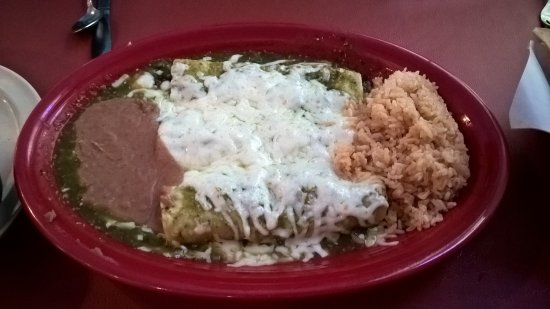 Roselle, IL: Cheese and Spinach Enchiladas