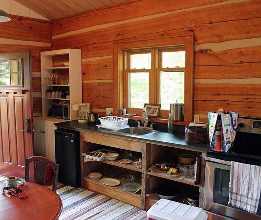 Oxtongue Lake, Canada: The kitchen area