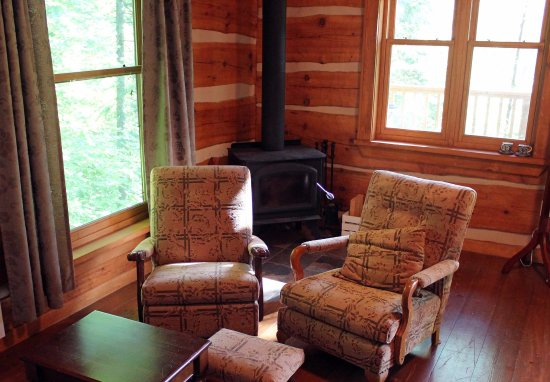 Oxtongue Lake, Canada: The living room