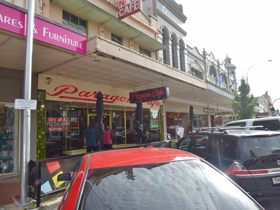 Paragon Cafe: Street frontage