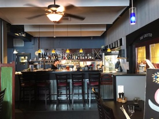 Interior view of Union Street Grill 477 5th St, Courtenay, British Columbia