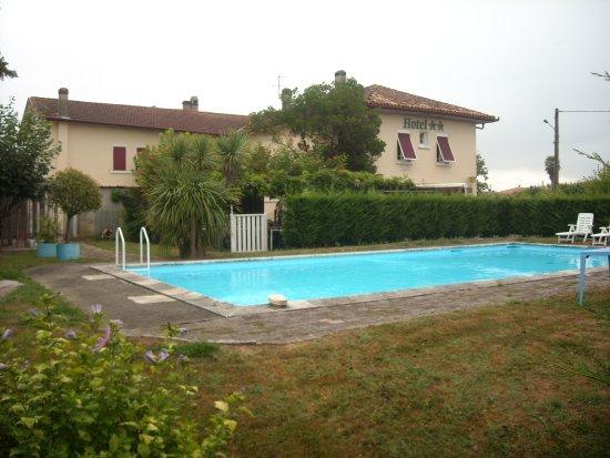 Hagetmau, France: piscine