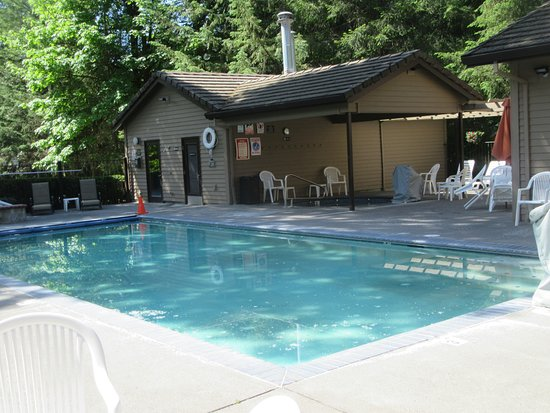 Swimming Pool, Whispering Woods Resort, Welches, Oregon