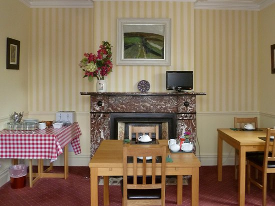 The Salisbury Guesthouse: Breakfast room