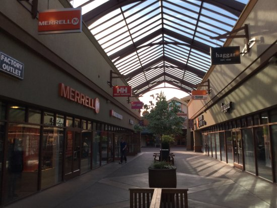 a26110da9 Woodburn Premium Outlets - Picture of Woodburn Premium Outlets ...