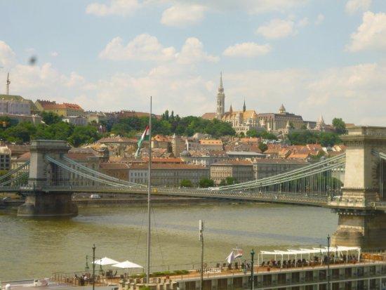 Sofitel Budapest Chain Bridge: puente de las cadenas
