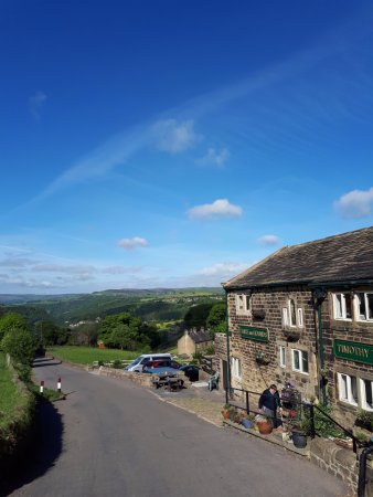 Hare and Hounds Country Inn: The view from the inn