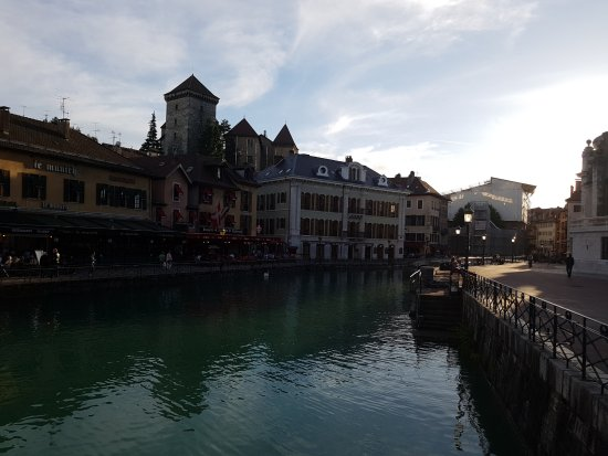 ‪Annecy City Tour‬