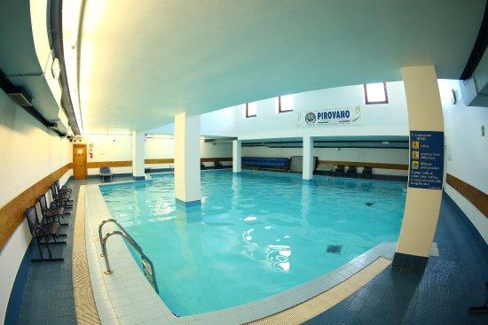 Particolare piscina Aperta tutti i giorni dalle 15,15  ~ Hotel Quarto Pirovano