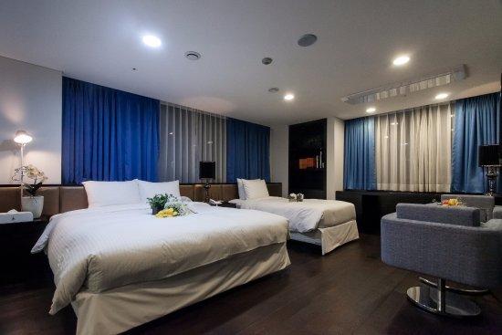 Pharos Hotel