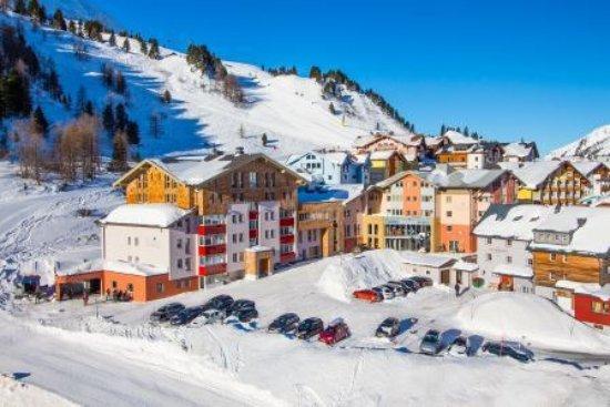 Hotel Enzian : Hotel direkt an der Piste