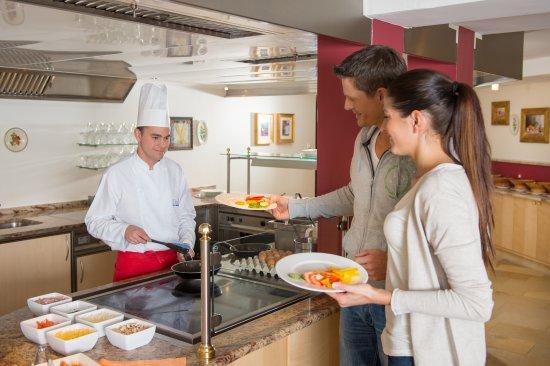 Hotel Enzian : jeden Tag frische Bio Eier vom Buffet