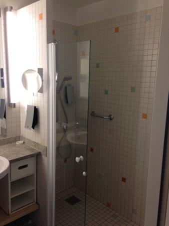 Schone Grosse Dusche Picture Of Centrovital Hotel Berlin
