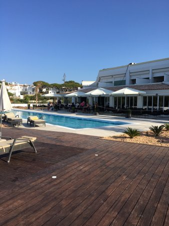 Dona Filipa Hotel Reviews