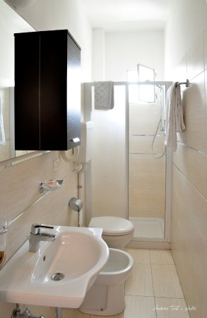 Hotel Albicocco: bagno camera Superior